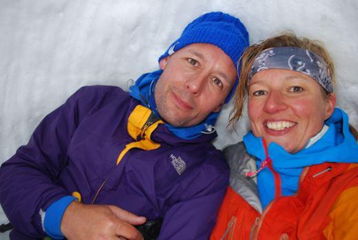 In een sneeuwhol is het lekker warm en gezellig!