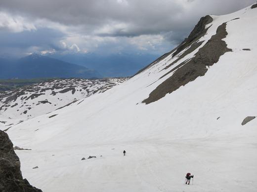 Onweer hoort ook bij alpinisme. De kinderen moesten flink doorlopen in het Berner Oberland