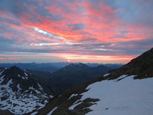 De kinderen genieten na van een mooie dag alpinisme in het Berner Oberland