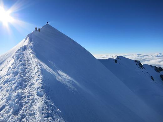 Het laatste stukje van de Bosses graad op de Mont Blanc