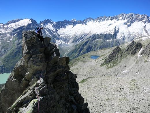 Michiel met op de achtergrond de Bergsee waar de Bergsee hut naar vernoemd is!