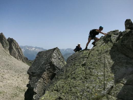 Jorien beklimt het laatste stukje naar de top van de Bergsee Schijen