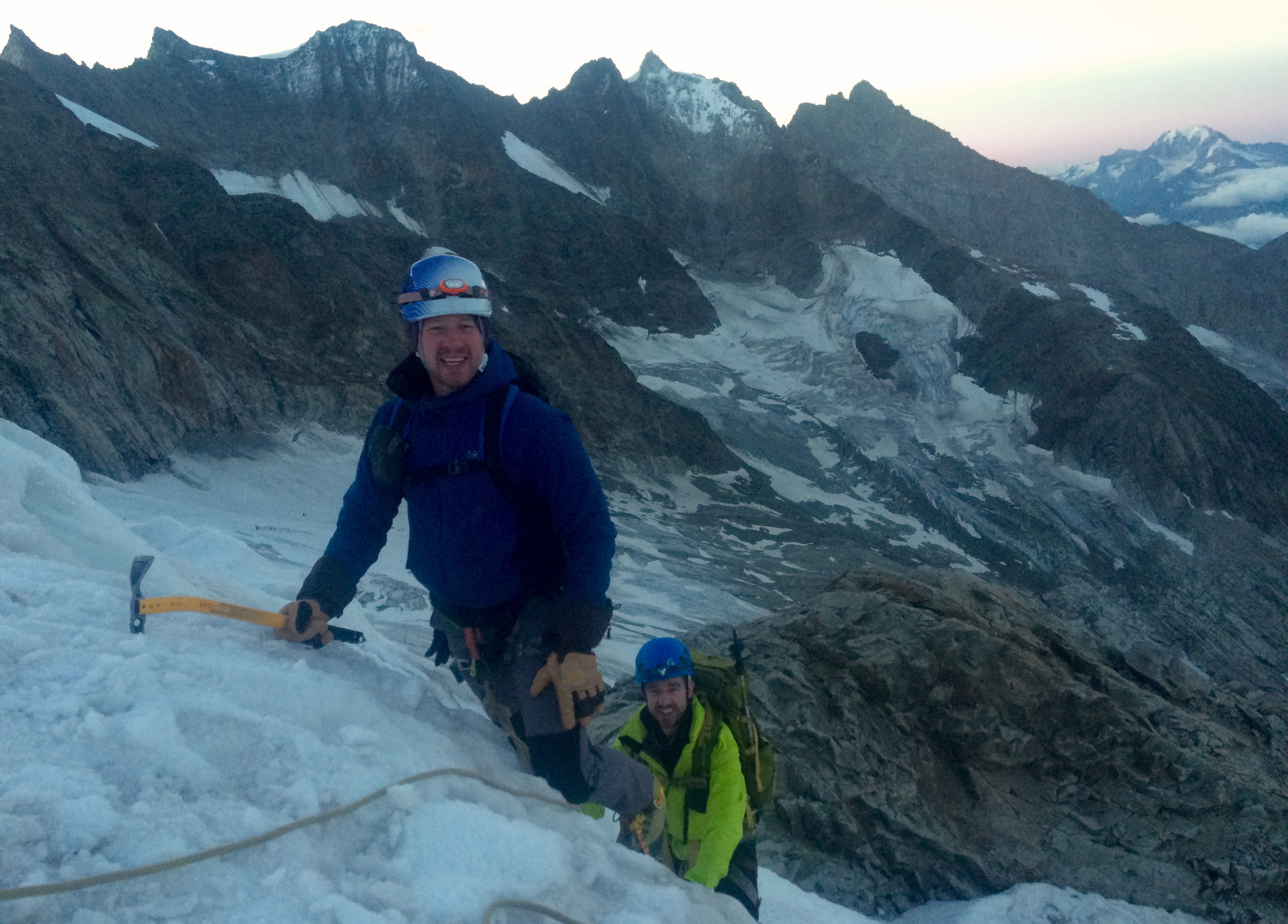 Het steile stukje ijsklimmen op de Aletschhorn