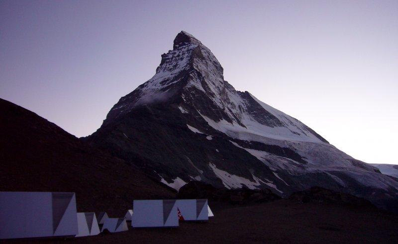 Matterhorn Basecamp met op de achtergrond de Noordwand